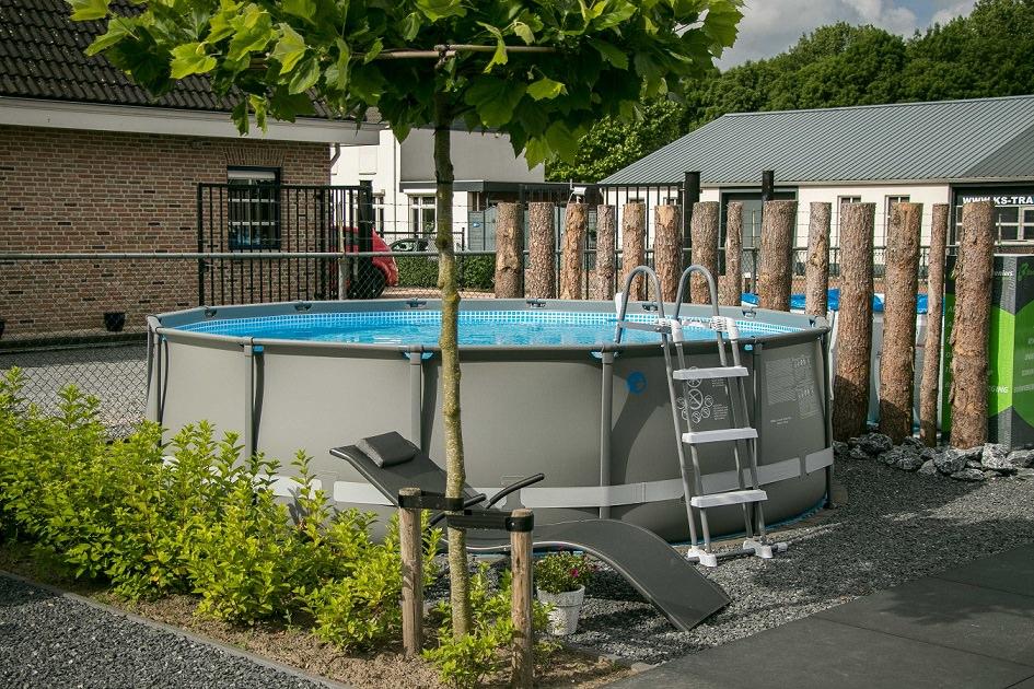 Showtuin zwembaden Zevenbergen