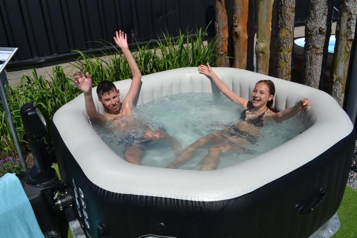 Zwemmen en bubbelen op Proef de lente